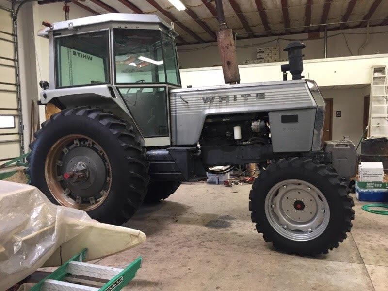 White 2WD Tractor Lot # 555R